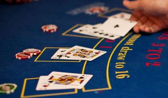 blackjack dealing cards