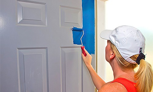 Красим двери