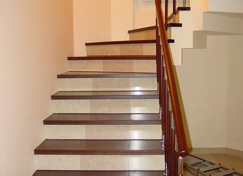 Какие виды отделки лестниц бывают