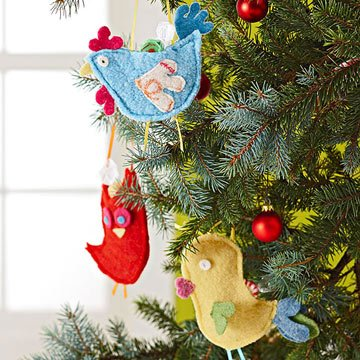 25 идей новогодних игрушек из фетра с выкройками в фото