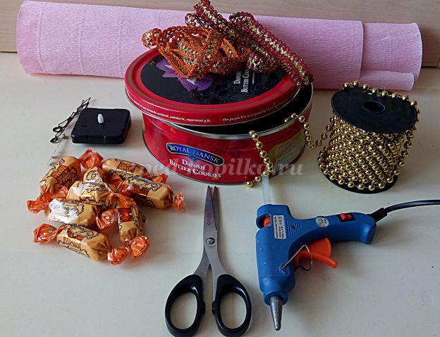Часы из конфет и прочих сладостей: мастер-класс с фото и видео в фото