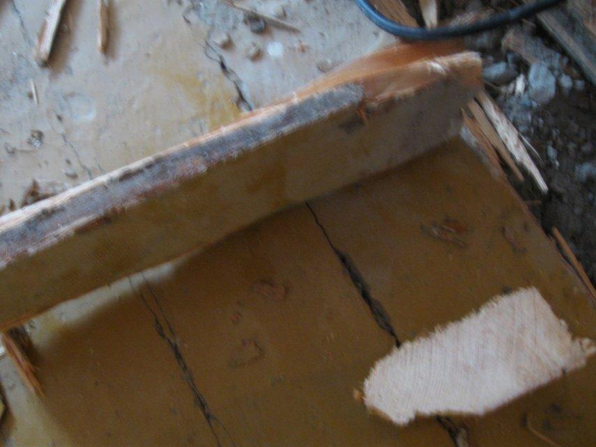 Чем лучше выровнять деревянный пол