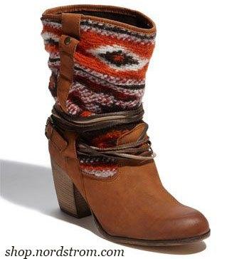 Этническая обувь — идеи сапог и полусапог с креативными фишками в фото
