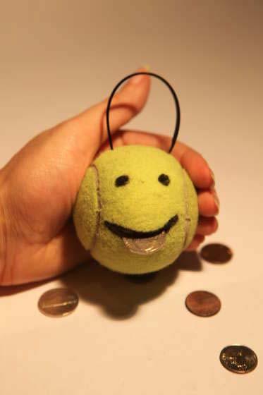 Копилка для денег своими руками | Используем теннисный мяч в фото