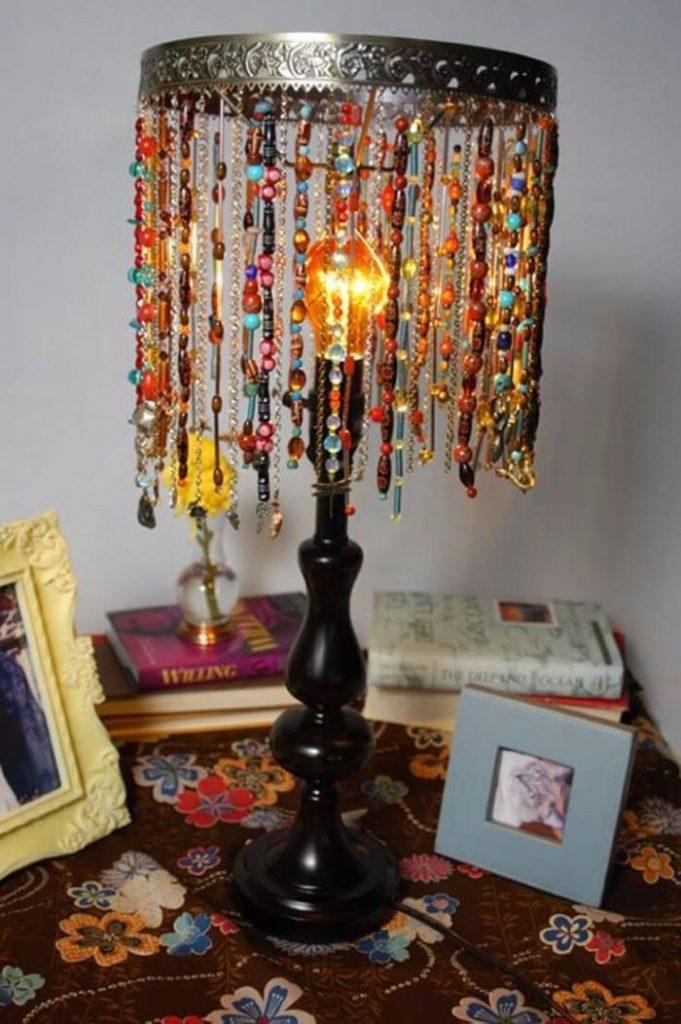 Красивая настольная лампа своими руками из подручных материалов — 24 фото примеров