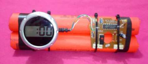 Креативные часы | Бомба с таймером в фото
