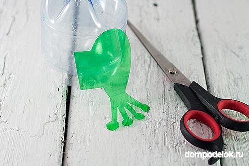 Лягушка из пластиковых бутылок своими руками: мастер-класс с видео в фото