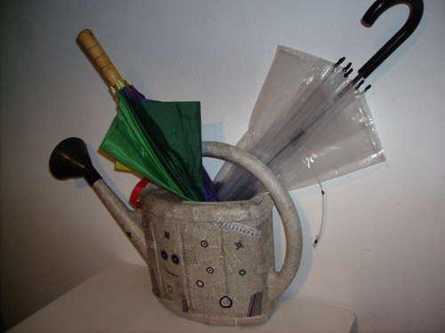 Подставка для зонтов в фото