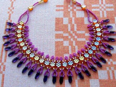 Схема плетения из бисера ожерелья «Veronika» в фото