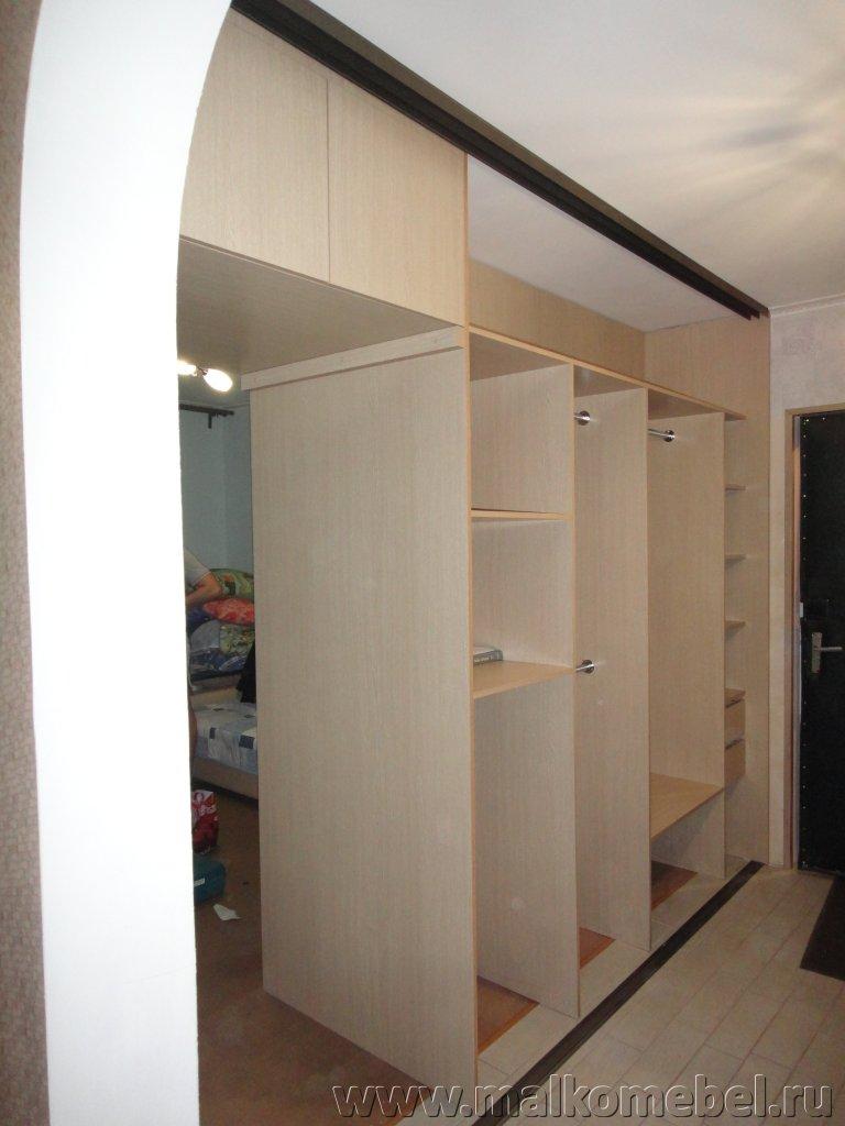 Шкаф-купе как прегородка - обустраиваем квартиру с помощью двустороннего шкафа