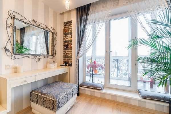 Стильные французские окна на балкон в квартире – 21 фото