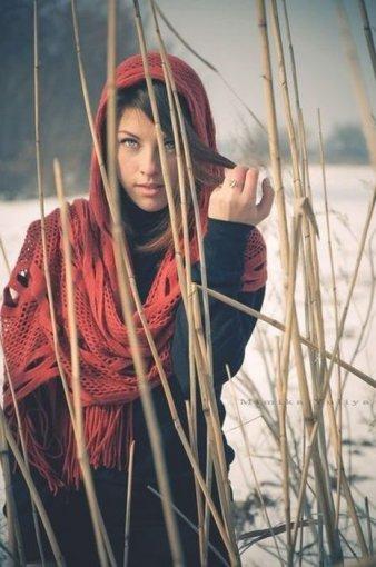Дівчина на снігу