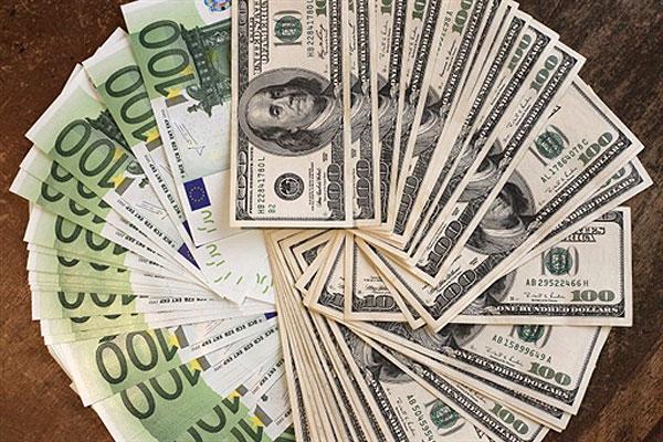 Купівля валюти в Україні