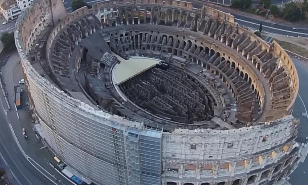 Колизей в Риме Италия
