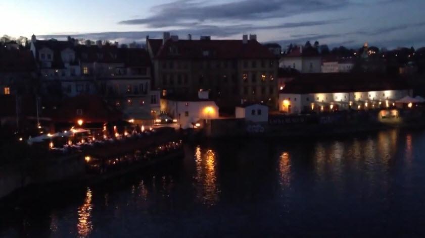 Карлов мост - визитная карточка древней Праги