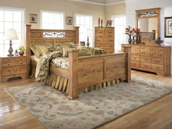 Деревянная домашняя мебель в интерьере