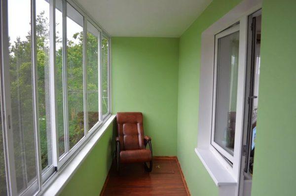 Пластиковые панели для облицовки балкона
