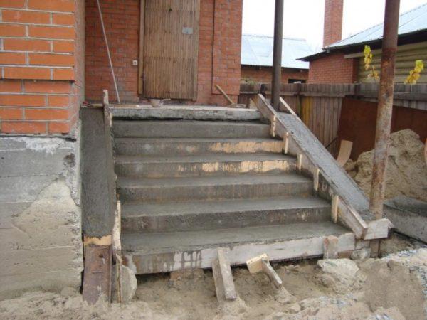 Макет бетонного крыльца