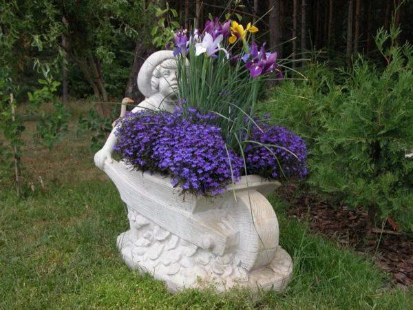 Бетонные изделия для декорации сада