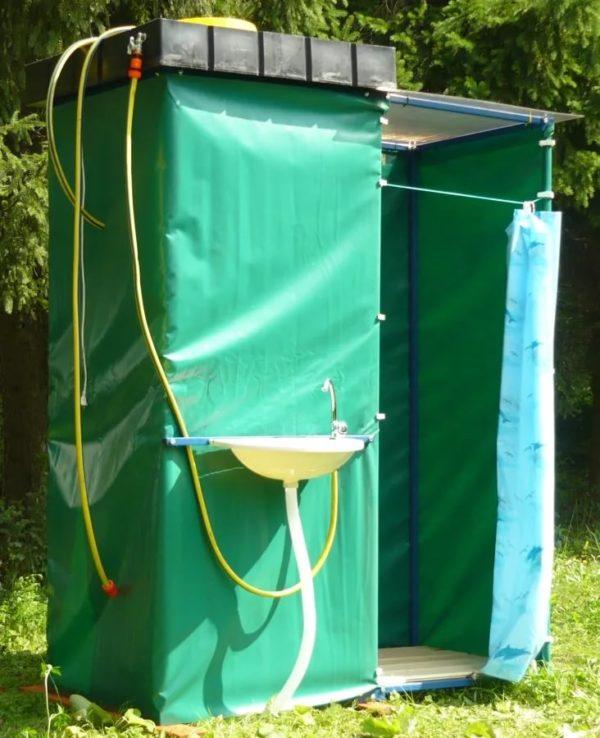 Как на даче сделать летнюю кабинку с душем?