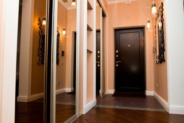 Металлическая дверь с надежными замками