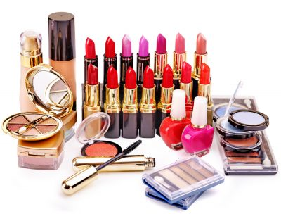 1419600073 567243 kosmetika laki tonalnyiy krem teni belyiy fon ru 3000x2281 www.gdefon.ru  1