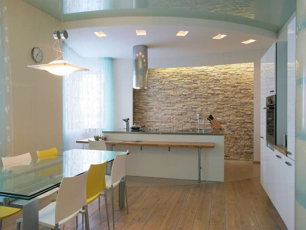 Интерьер потолка на кухне фото