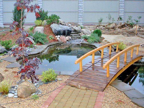 Самодельный мостик в ландшафтном дизайне