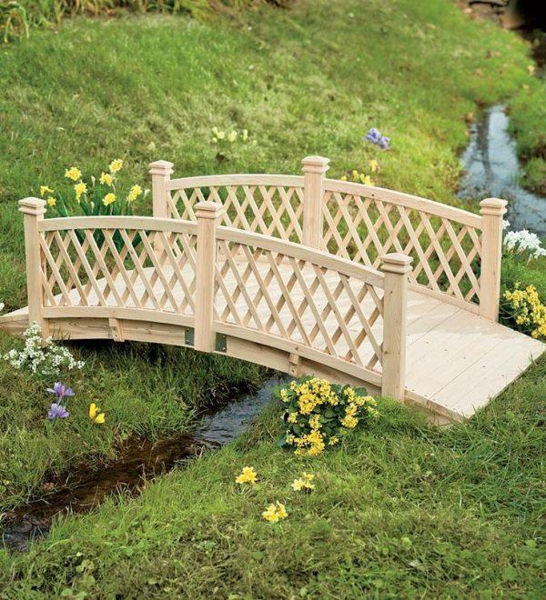 Делаем мостик на загородном участке