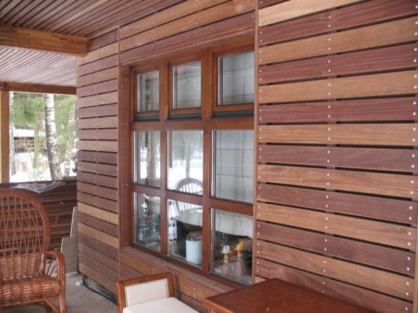 Облицовка фасада дома деревом