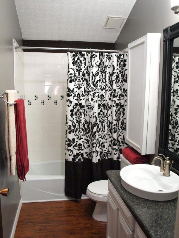 Шторы в цвет ванной комнаты