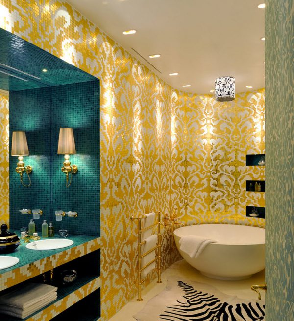 Сочетание черного и золотого цвета в ванной