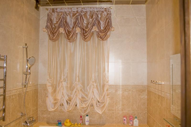 Пленочные шторы в ванной