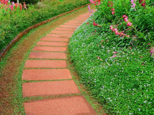 Обустройство садовых дорожек