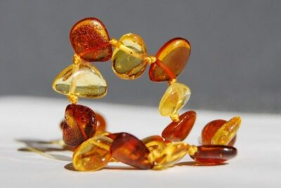wwwbabyamberteethingcouk amber teething necklace amber necklace bracelets anklets 1050907.jpgd  e1560858515621
